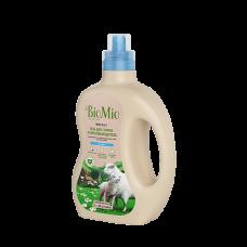 Экологичный гель и пятновыводитель для стирки белья BioMio без запаха, 1,5 л